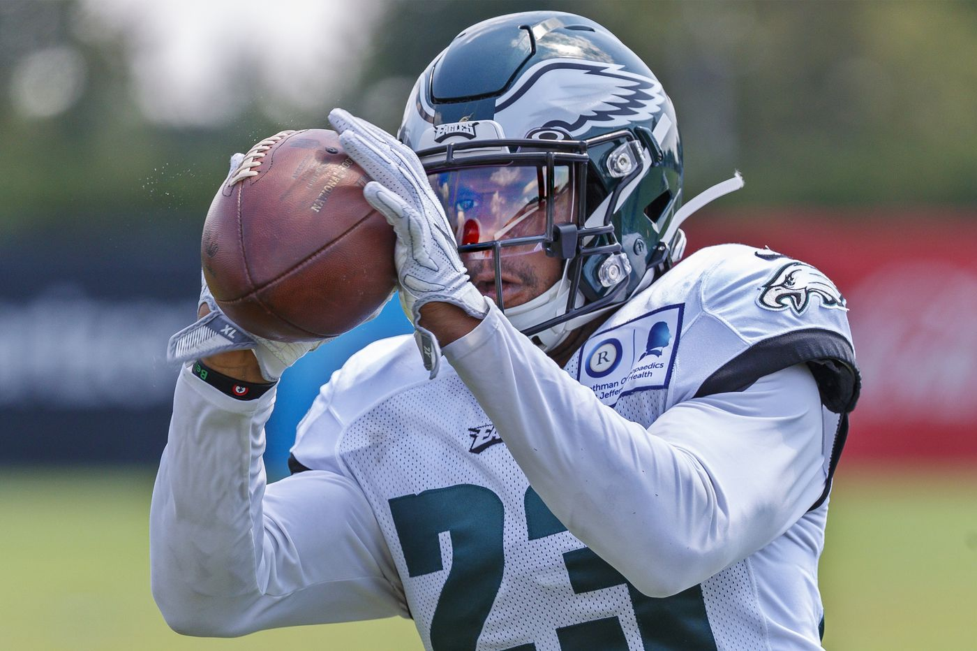 Eagles Practice Observations: Clayton Thorson goes deep; Rodney McLeod inches along; Jordan Howard remains patient