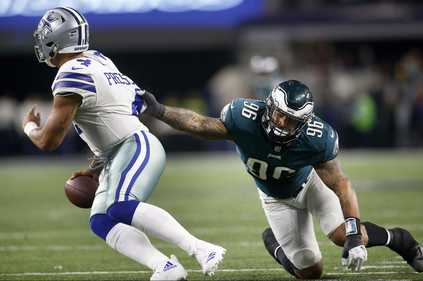 Derek Barnett's big game in big Eagles win another sign of his promise | Mike Sielski