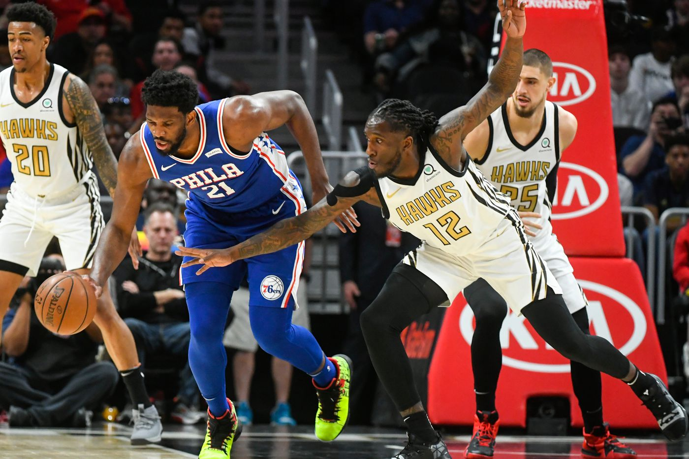 Sixers' six-game winning streak snapped by Hawks, Trae Young