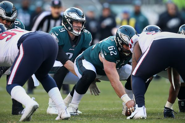 Eagles quarterback Nick Foles using lessons from last season's Super Bowl run in high-pressure Week 17 game vs. Washington