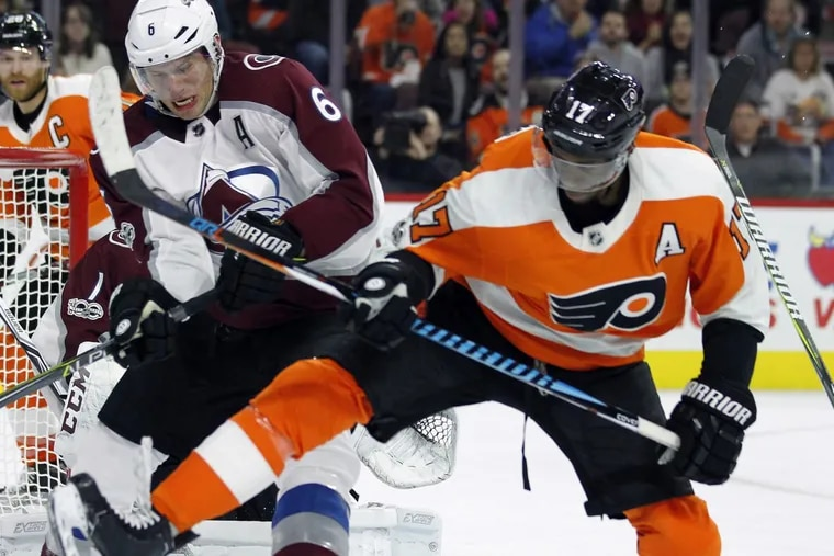 Wayne Simmonds (right), shown in a recent game against Colorado, will try to end an eight-game goal-less streak Saturday. He has been hindered by numerous nagging injuries.