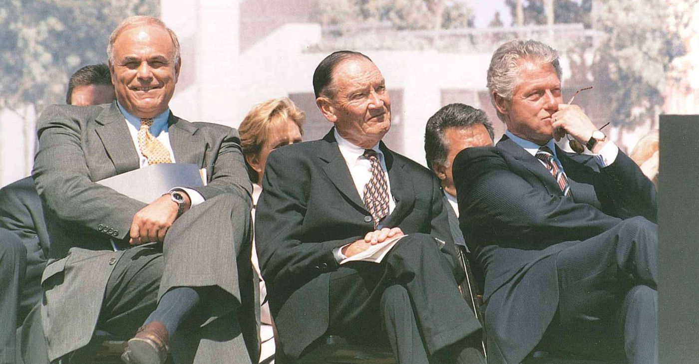 """Bogle with Ed Rendell (left) and President Bill Clinton (right) in Philadelphia about 20 years ago. He said of the economy: """"The disparity in income is deeply regrettable. I don't know what we do about it exactly."""""""