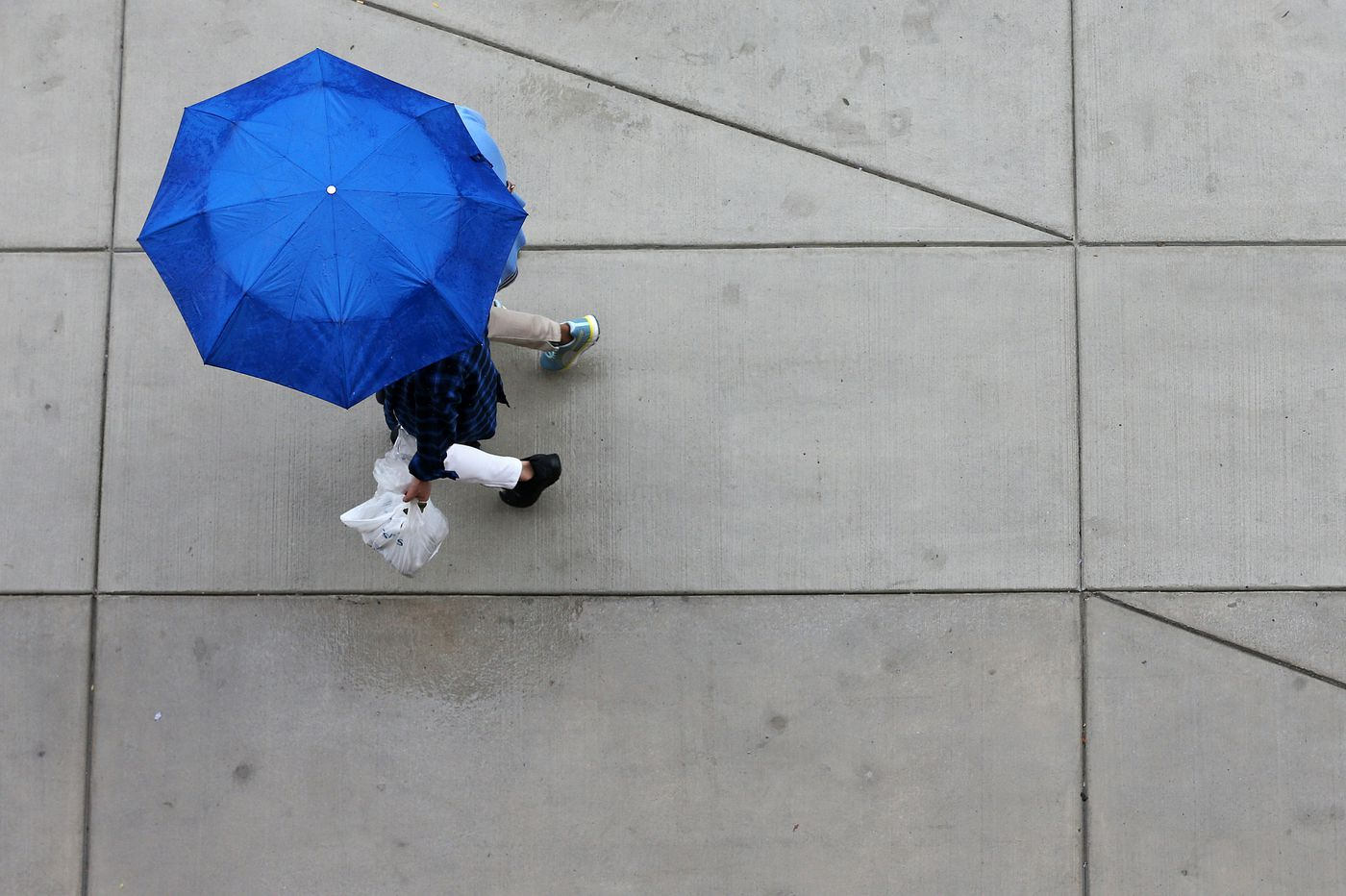 A wet weather warning for tonight, Sunday