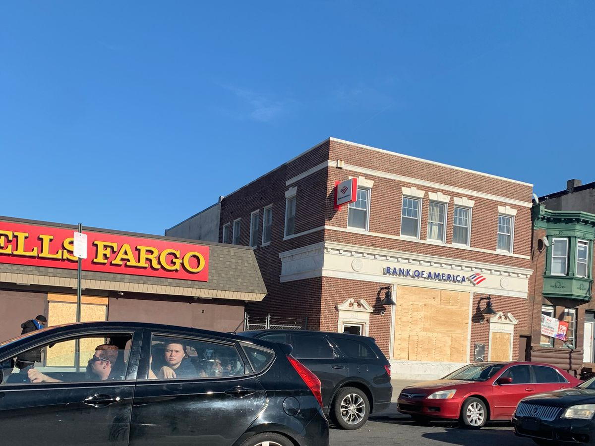 Wells Fargo reverses, again, on letting homeowners accept U.S. mortgage aid