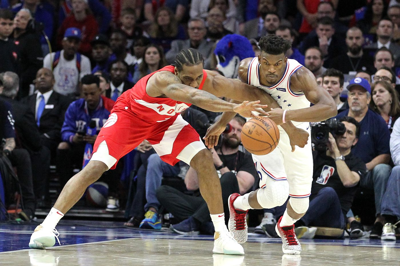168ae6a4b1e The Raptors didn t beat the Sixers. Kawhi Leonard did. And he might just  win this series by himself.