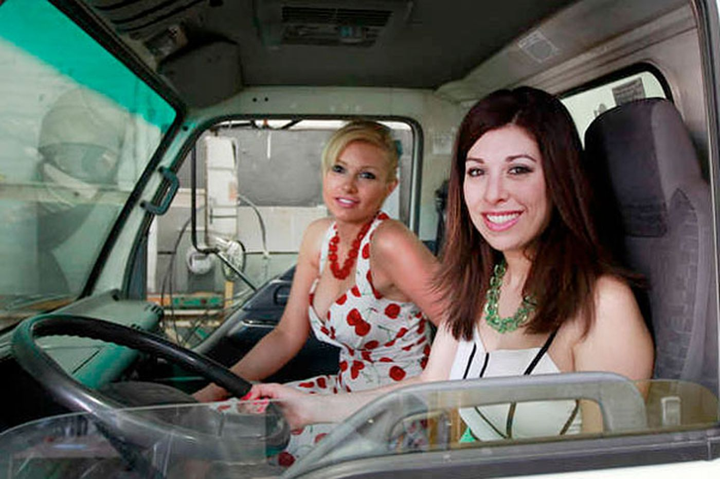 Longtime friends roll out fashion truck