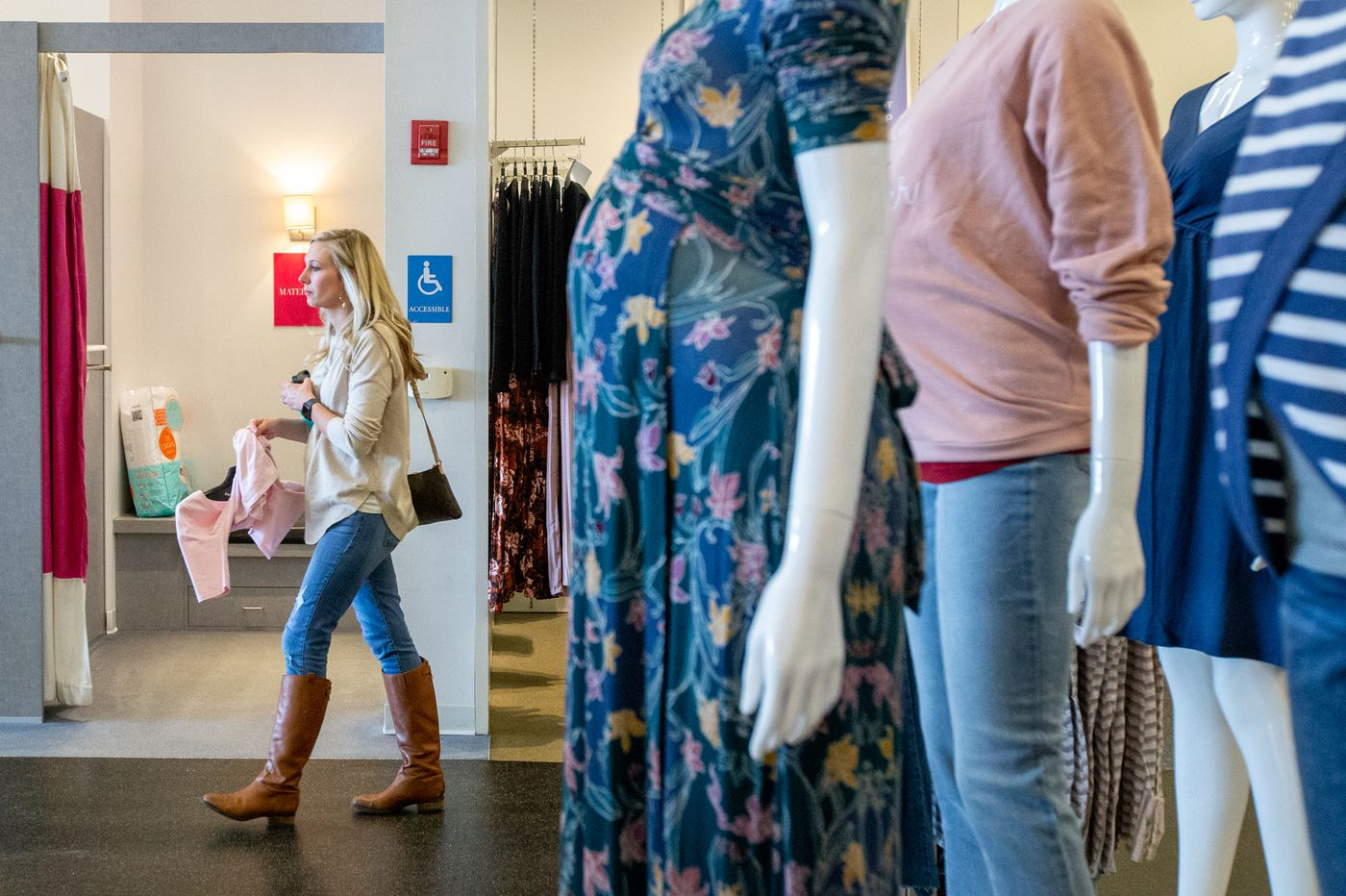 Destination Maternity's new CEO steps down as sales disappoint; stock down 35 percent