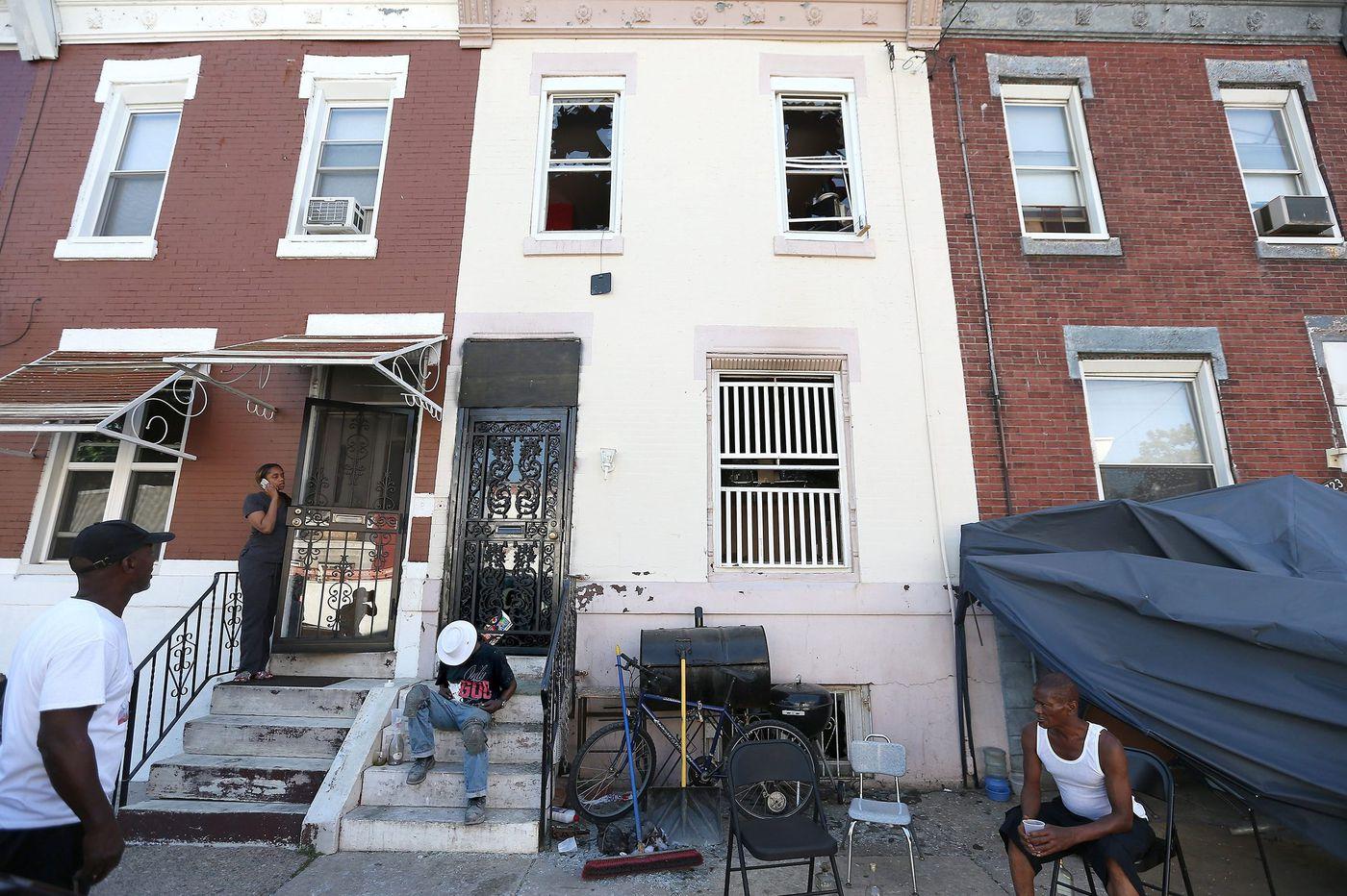 2 dead in North Philadelphia house fire