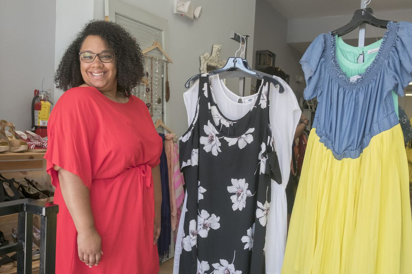 'We are fly, and we are stylish': Plus-size consignment shop celebrates one year