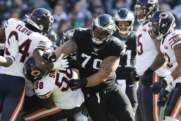 Eagles, Brandon Brooks agree to 4-year, $56.2 million contract extension, making him highest-paid guard in NFL