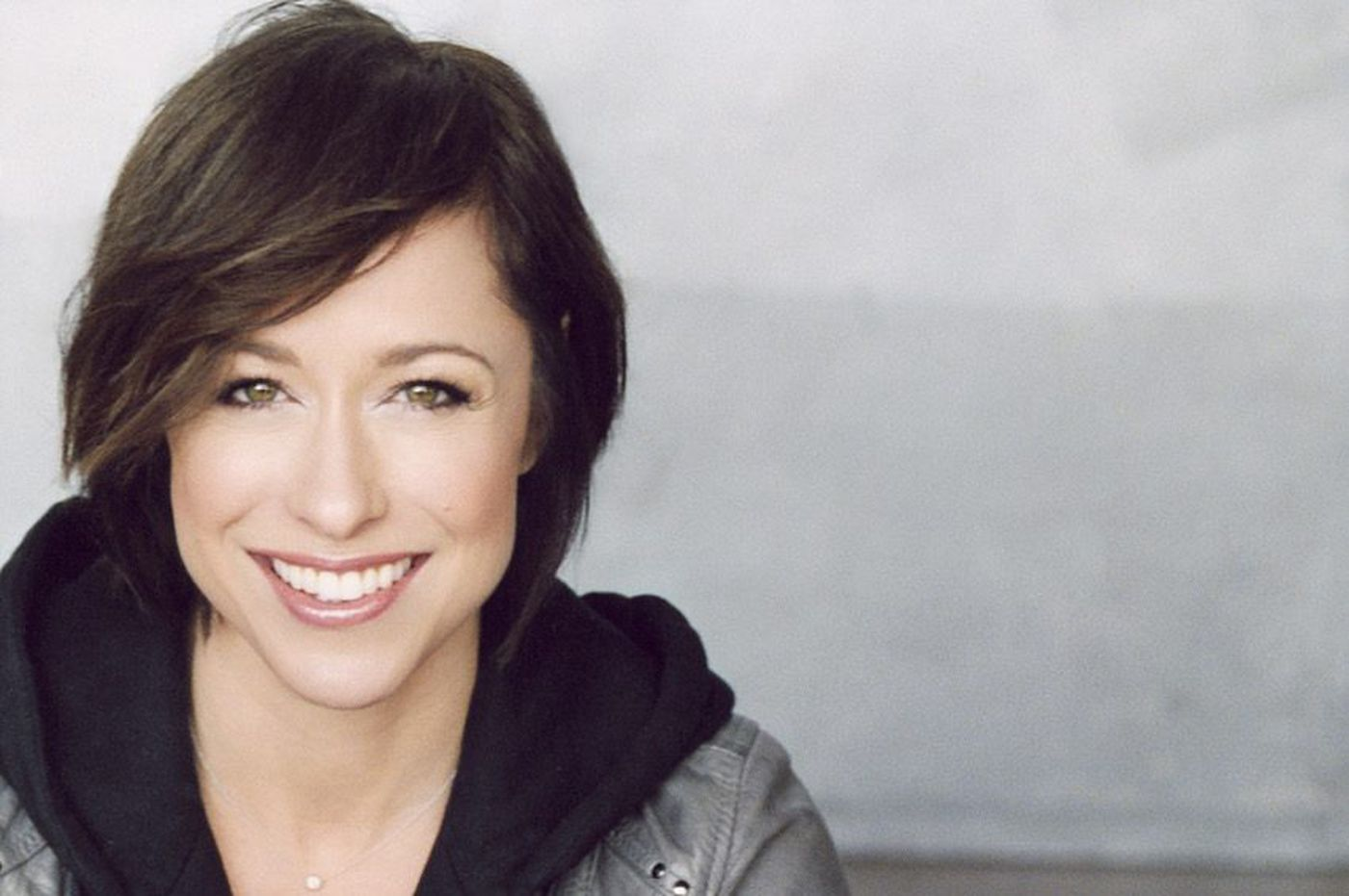Paige Davis returns to 'Trading Spaces' and hits up Philadelphia Home + Garden Show