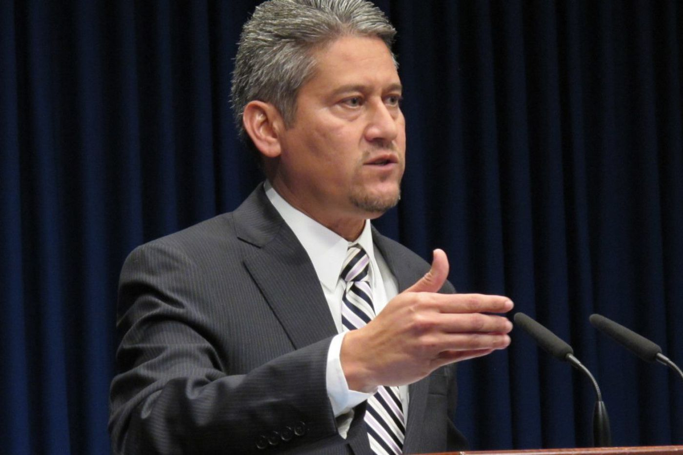 Pedro Cortes, Pa. secretary of state, steps down