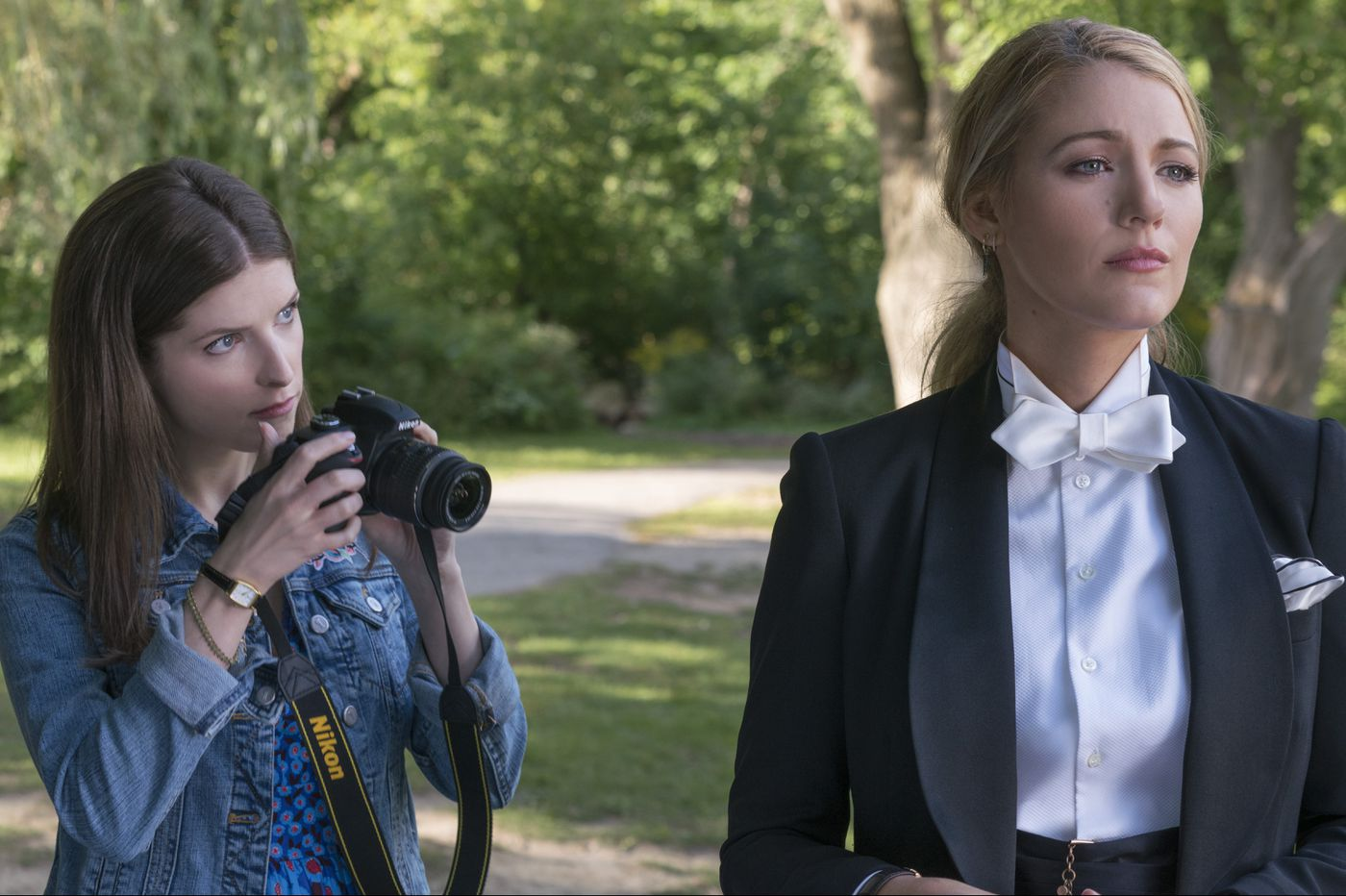 'A Simple Favor': Anna Kendrick and Blake Lively have fun in naughty mommy noir