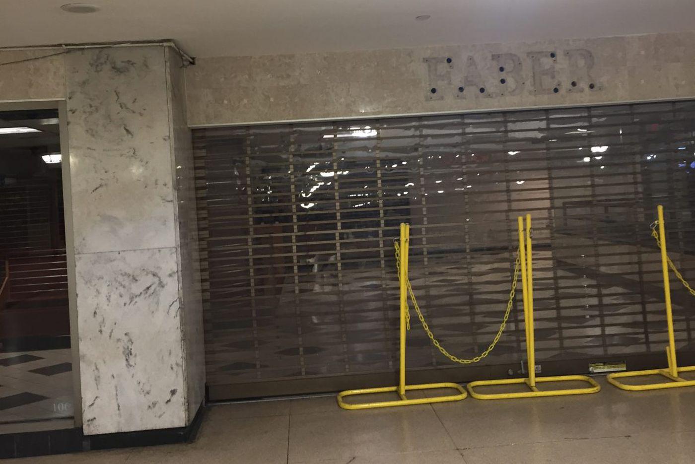 Newsstands shut in Philly Suburban Station - update