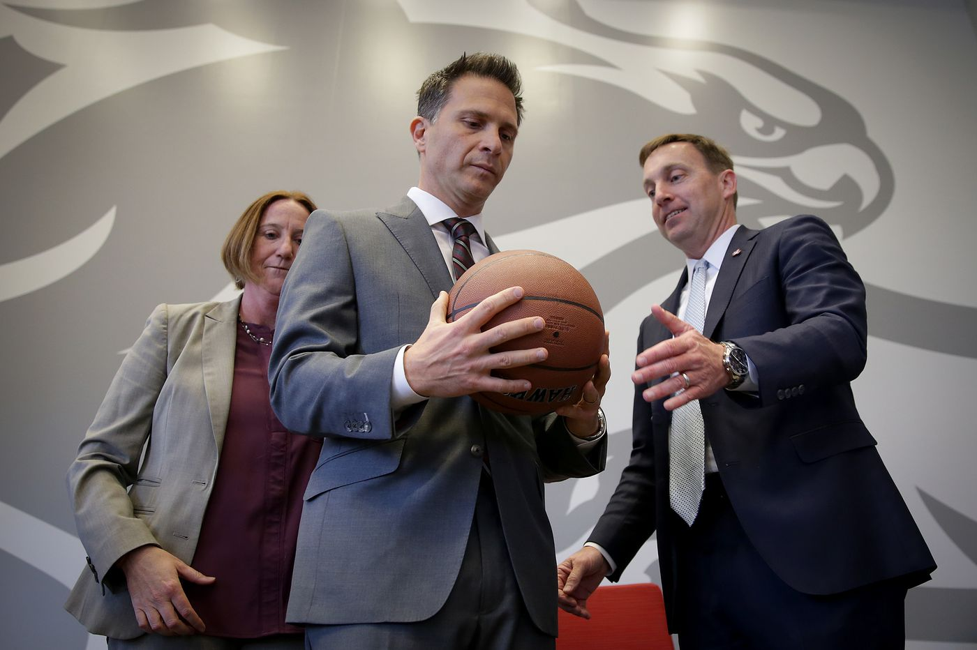 As St. Joseph's new coach, Billy Lange faces a big challenge in the modern Big Five | Mike Sielski