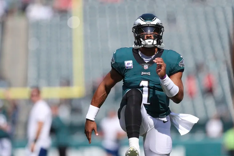 Philadelphia Eagles quarterback Jalen Hurts (1) warms up before the Kansas City Chiefs game Sunday, October 3, 2021 at Lincoln Financial Field in Philadelphia.