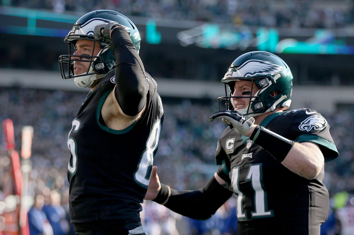 Carson Wentz's contract extension with Eagles gets high marks from teammates and analysts alike