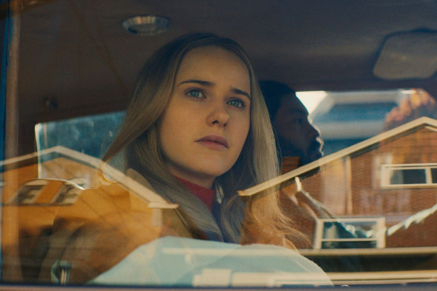 'I'm Your Woman' with Rachel Brosnahan is a new twist on thief-on-the-lam story