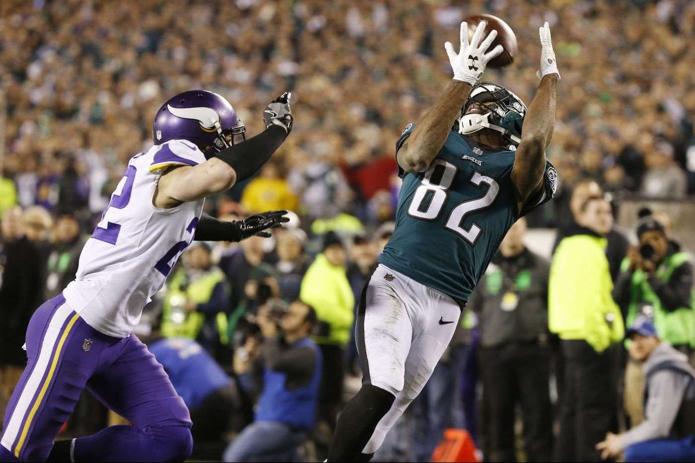 Inside the Eagles' Nick Foles-to-Torrey Smith flea-flicker touchdown pass in the NFC championship game