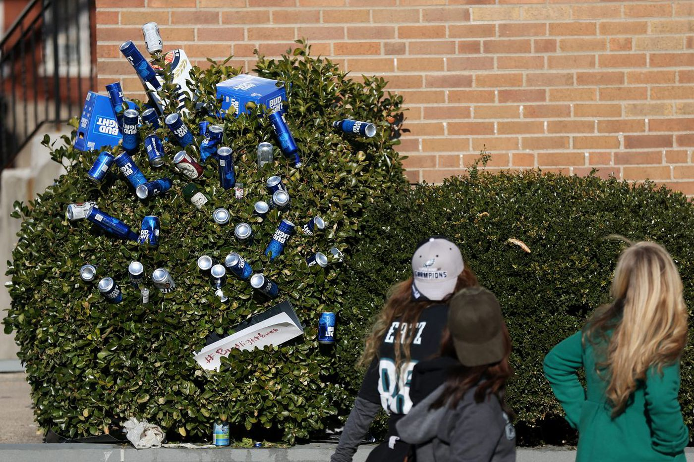 Where did Philly party and find free beer after the Eagles parade?