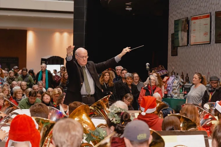 Conductor Jay Krush at the 2018 TubaChristmas performance at the Kimmel Center.