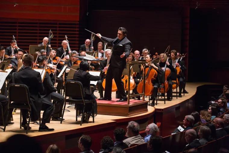 Cristian Măcelaru conducting the Philadelphia Orchestra in February 2018