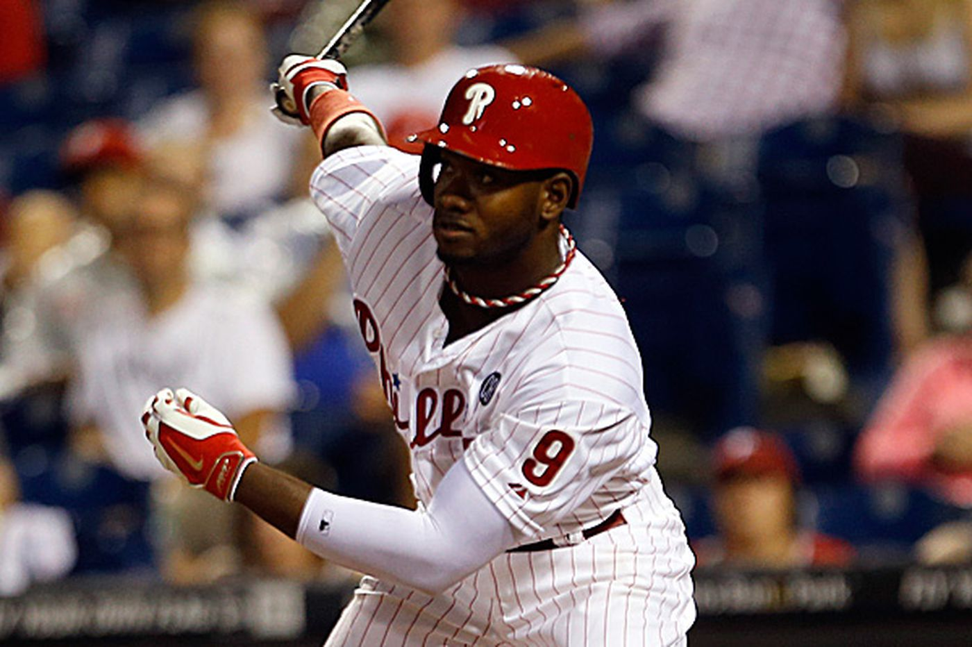 Phillies to tender contracts to Brown, Bastardo and Revere