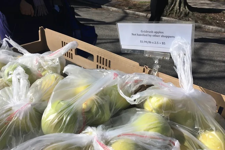 Hands on the Earth Orchard, based in Lititz, PA, offers pre-bagged apples