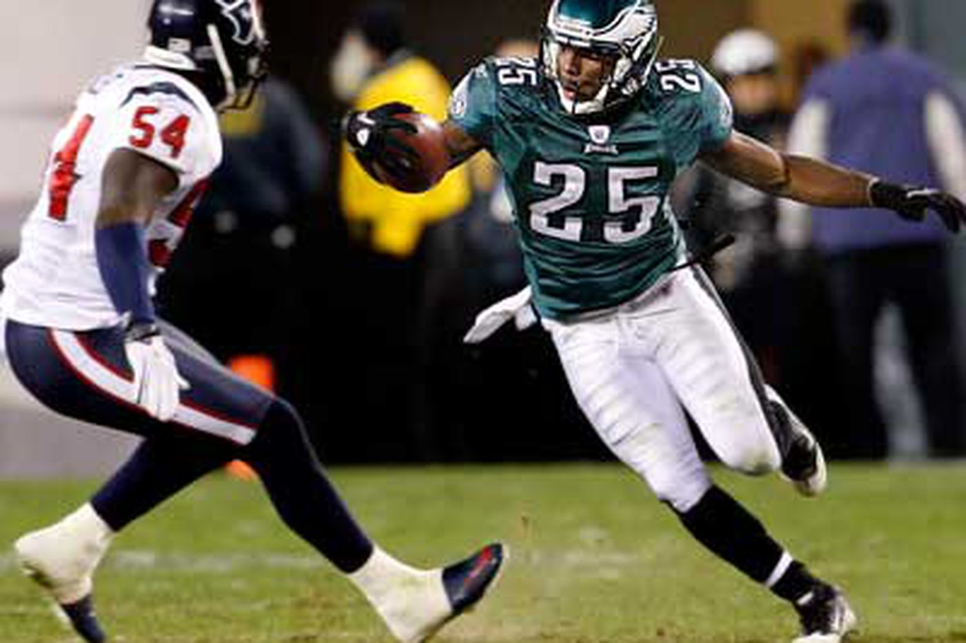 Paul Domowitch: Eagles' McCoy producing his own screen gems