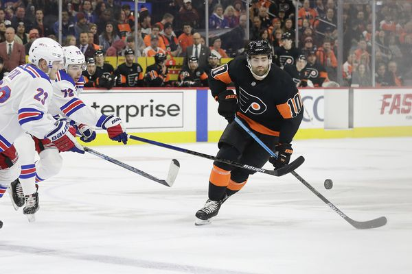 Andy Andreoff will remain in lineup as Flyers play it safe with Scott Laughton