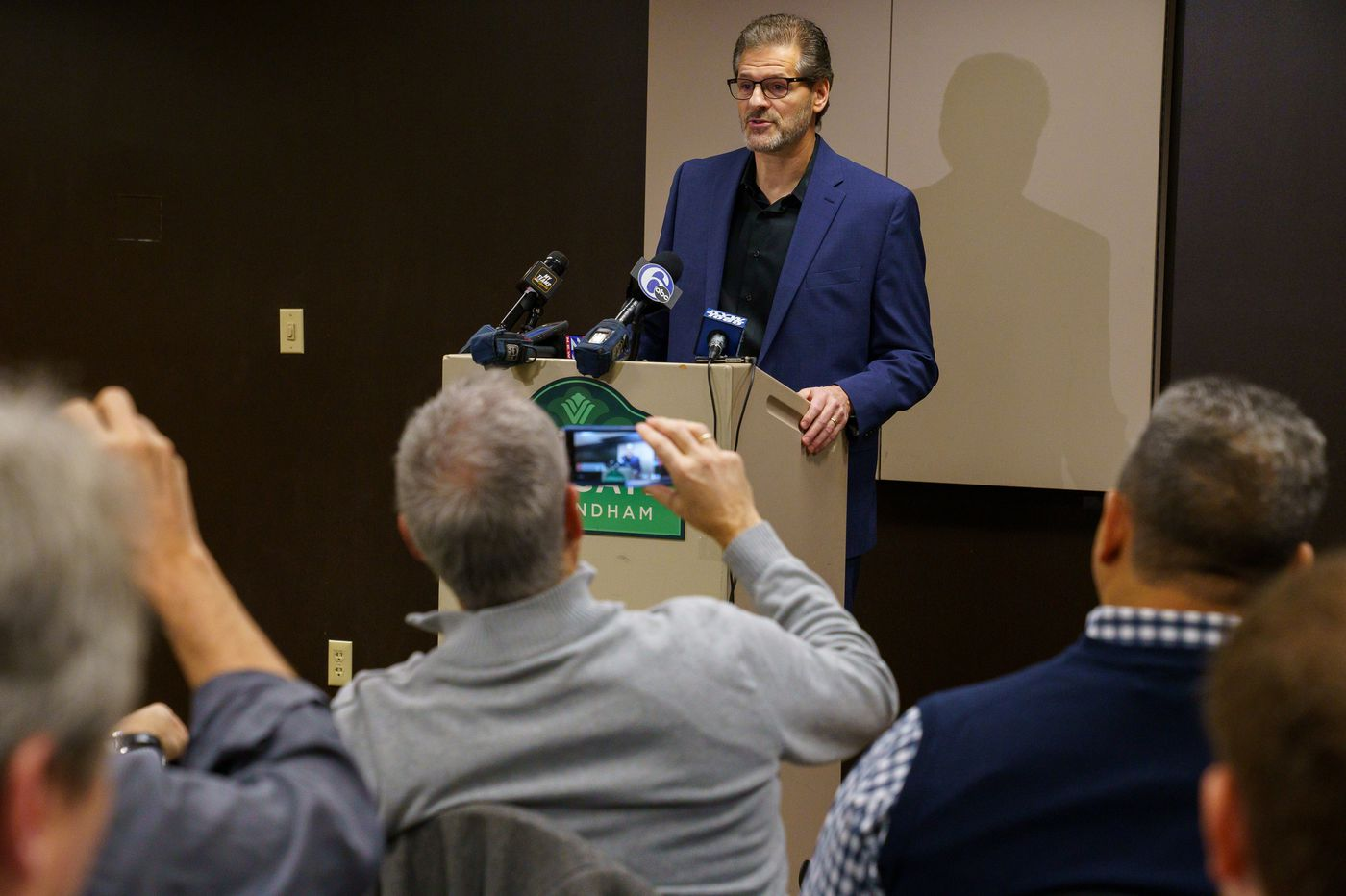 Former Flyers GM Ron Hextall blindsided by firing: 'I didn't see this coming'