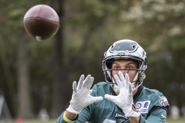 Mack Hollins the latest oddly timed release by the Eagles | Early Birds