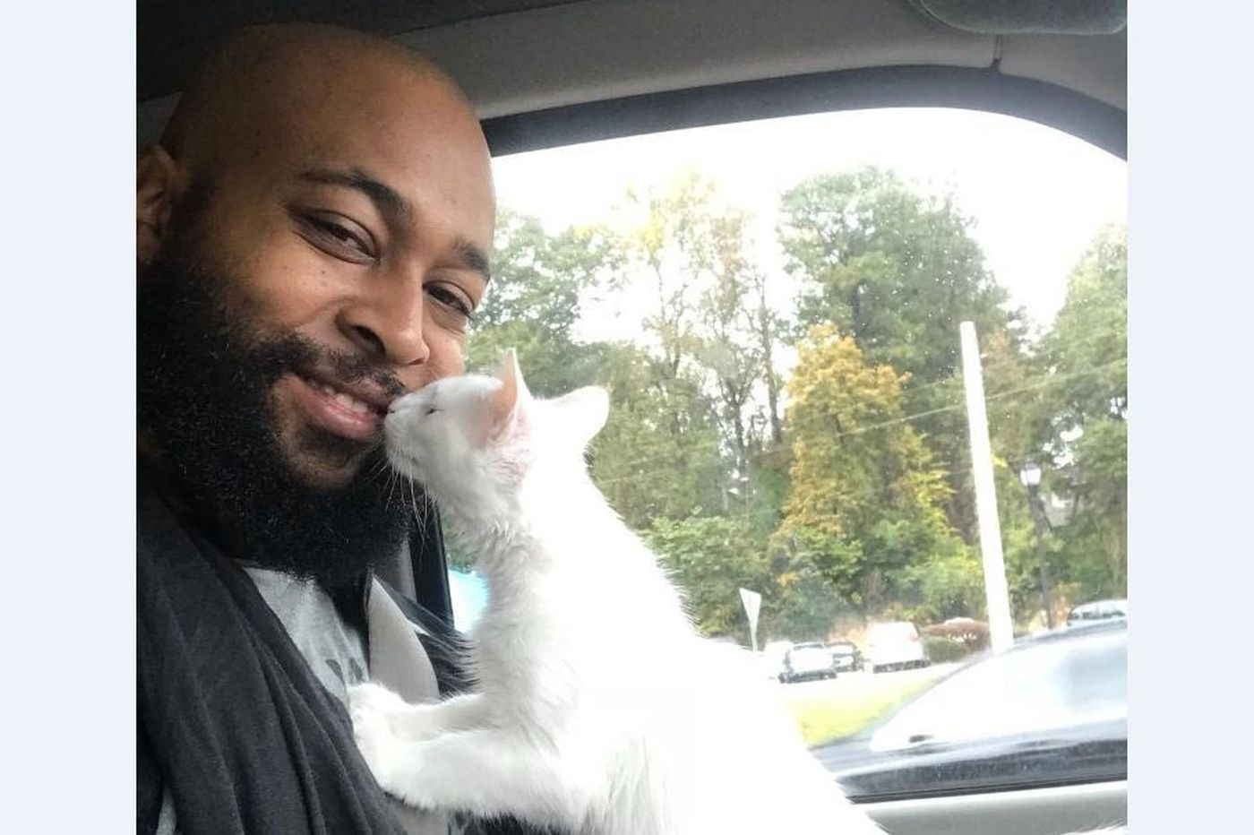 This rapper turned 'cat man' is breaking stereotypes with his love for felines