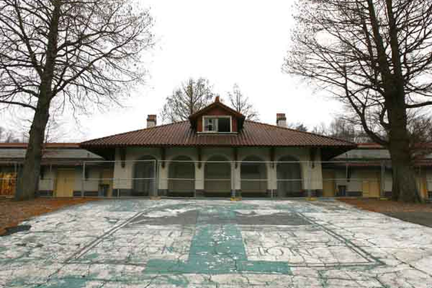 Temple cancels plan for Schuylkill boathouse