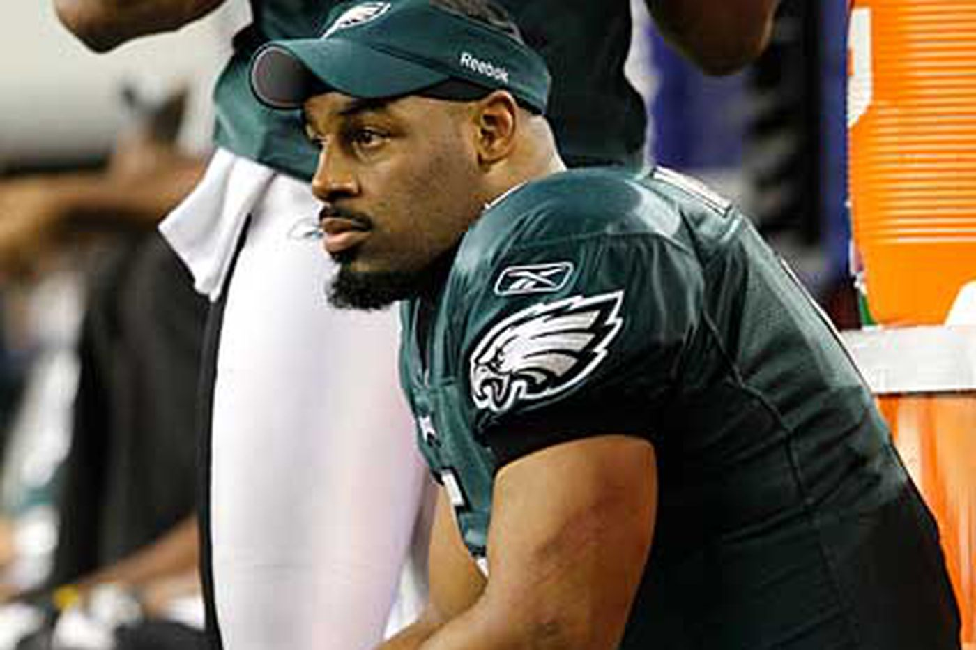 Gonzo: Playing safe not working for Eagles