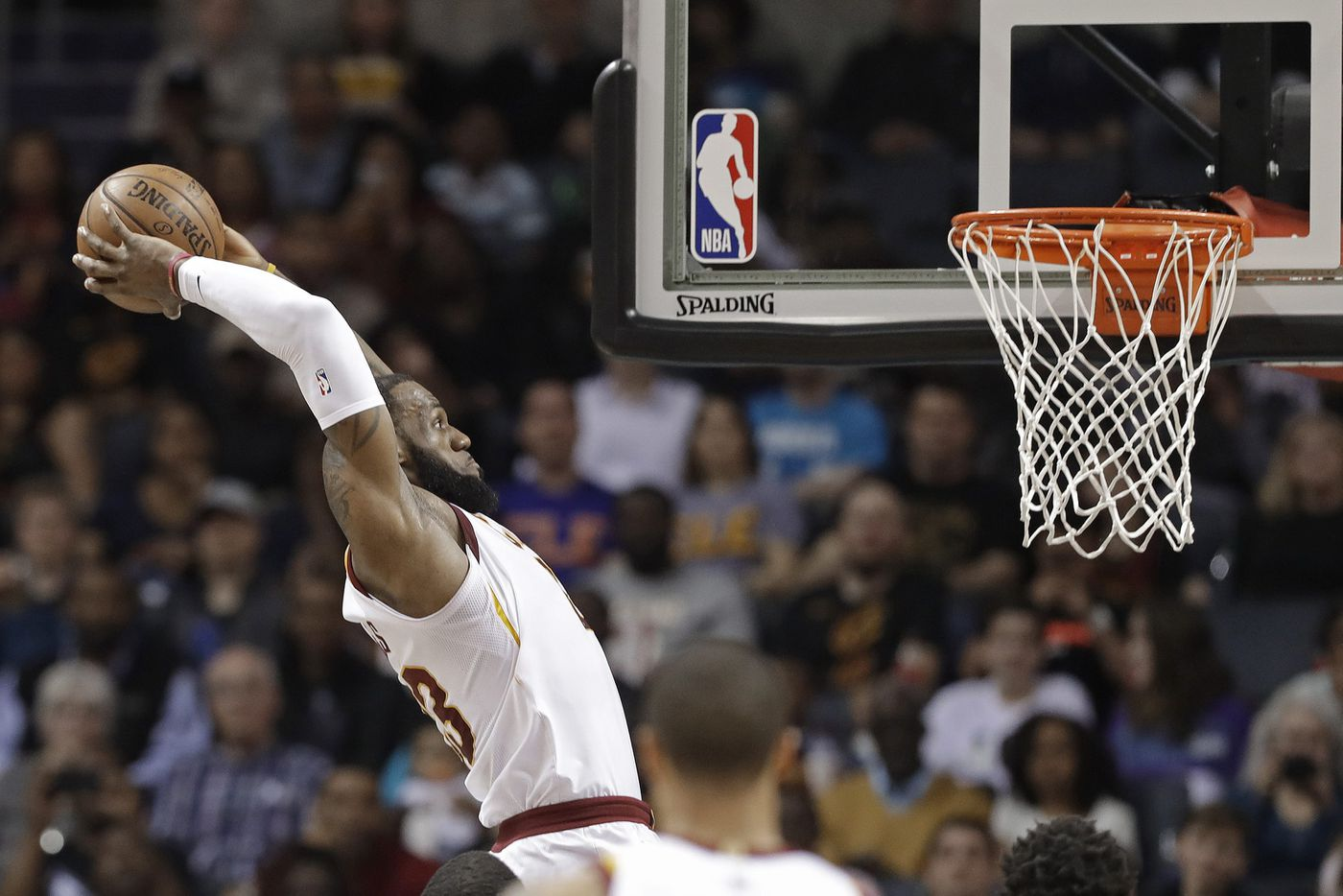 LeBron James opts out, becomes Sixers free agent target