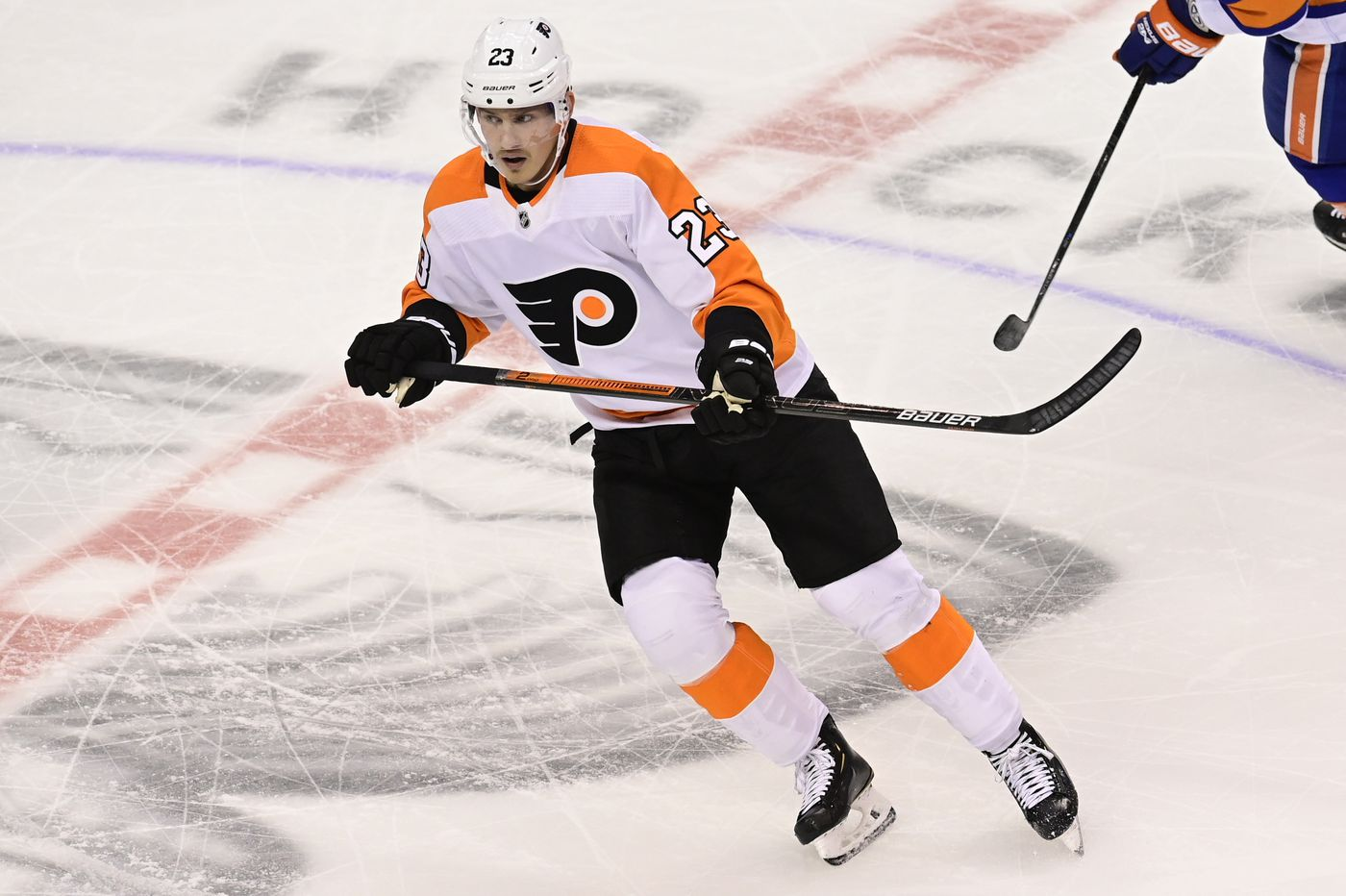 Oskar Lindblom, in Flyers lineup for first time since Dec. 7, provides inspiration and solid play in win over Isles