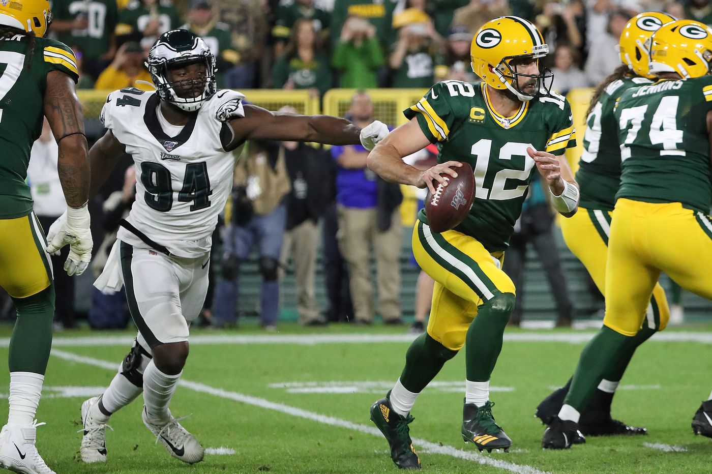 Eagles face red-hot Aaron Rodgers and a curious over/under   Sports-betting notes