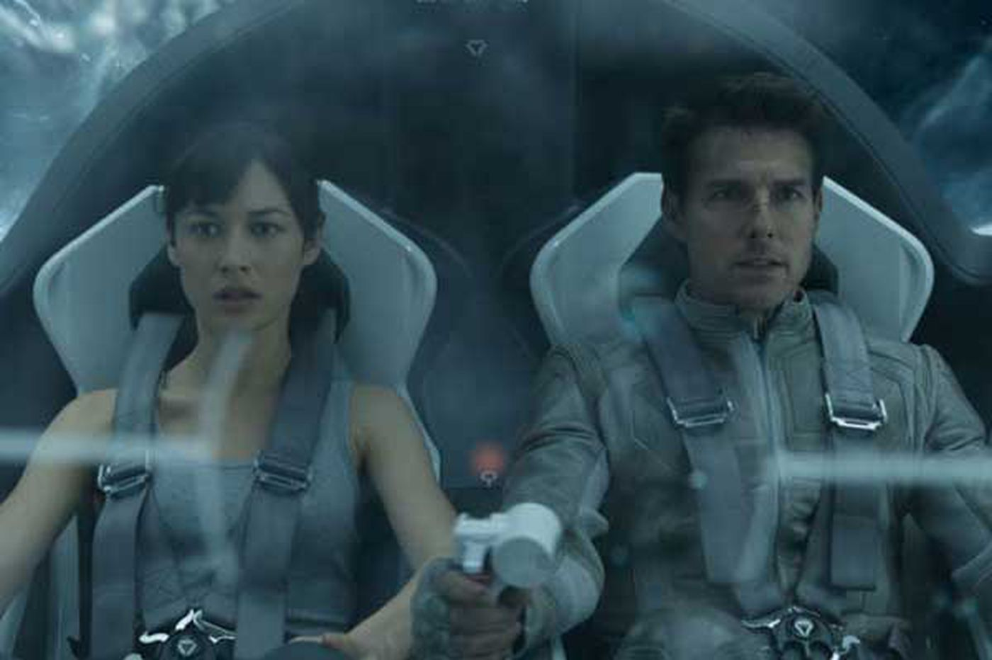 'Oblivion': Handsome Cruise to nowhere