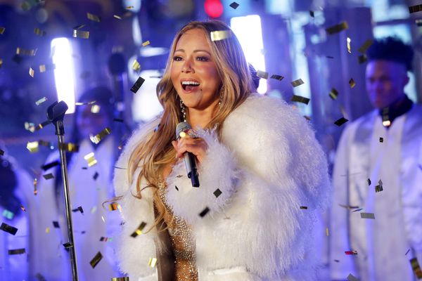 A holiday music playlist, starring Mariah Carey, Taylor Swift, Aretha Franklin, John Legend, and more
