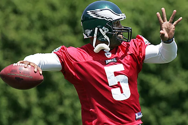 Donovan McNabb works out during Eagles mini camp. (Barbara L. Johnston / Inquirer)