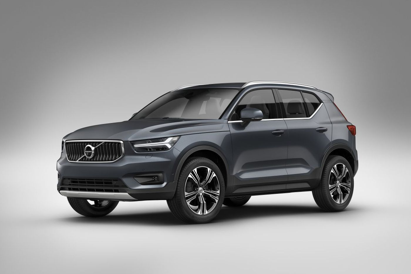 Volvo offers snazzy compact crossover for 2019