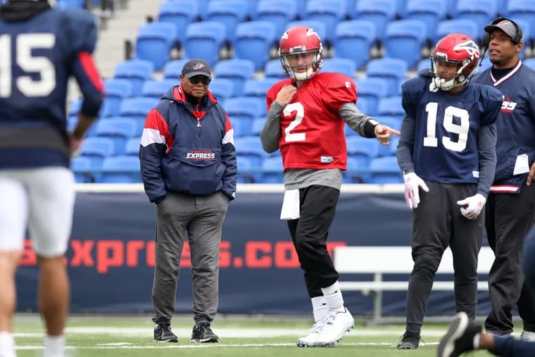 Memphis Express head coach Mike Singletary and quarterback Johnny Manziel during practice back in March. The Alliance of American Football will cease all football operations by Tuesday afternoon.