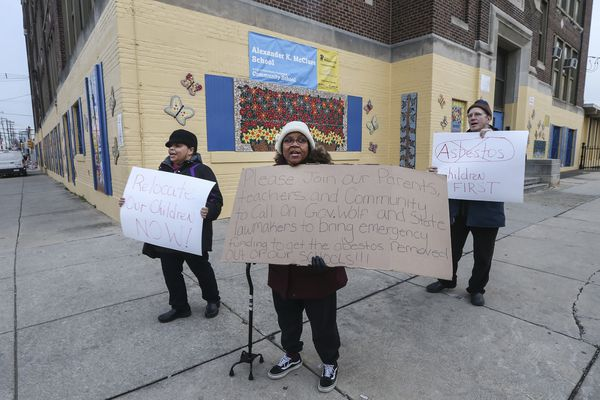 'We're struggling': McClure Elementary parents cope with the practical fallout from Philly's asbestos crisis