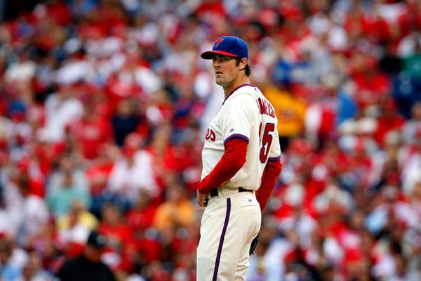 Former Phillies pitcher Cole Hamels signs with Braves