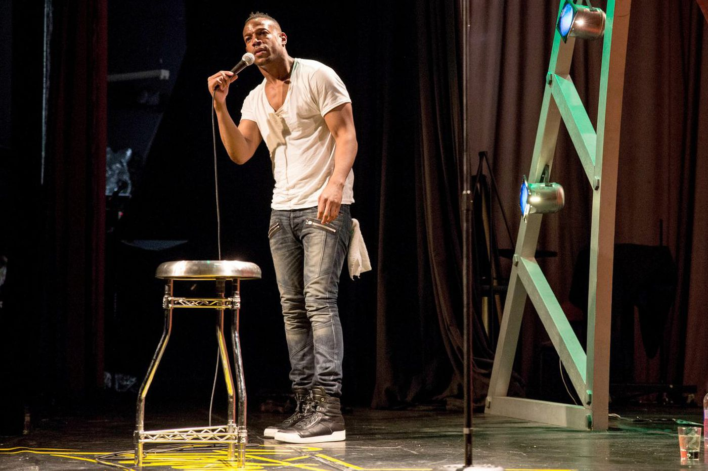 Marlon Wayans hits Philly for a rare stand of stand-up