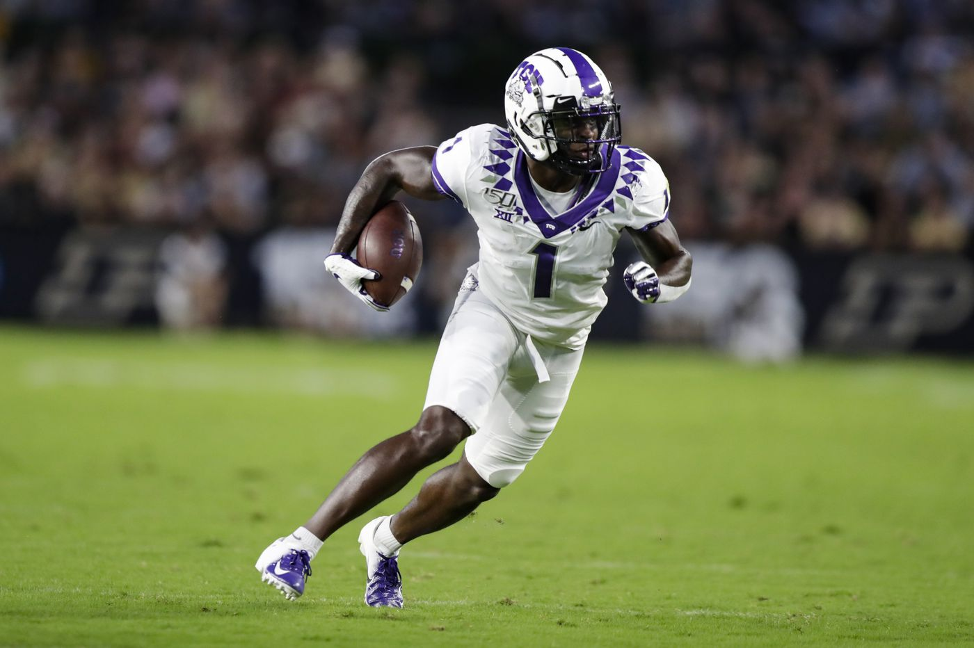 Sports chatter: Jalen Reagor's mom responds to critics in Twitter post