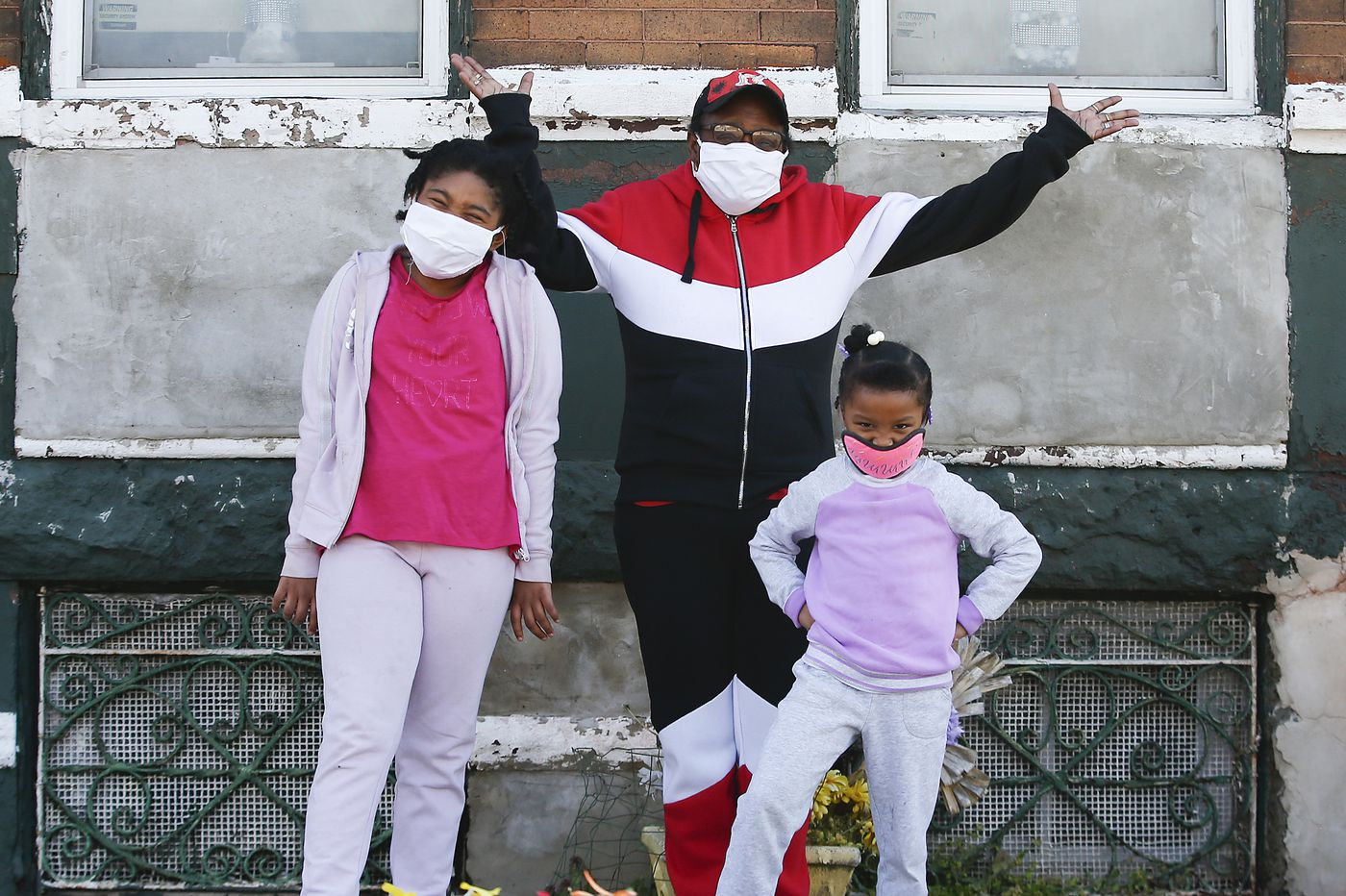 No internet. No backup plan: What happens to seniors raising grandkids in the pandemic?