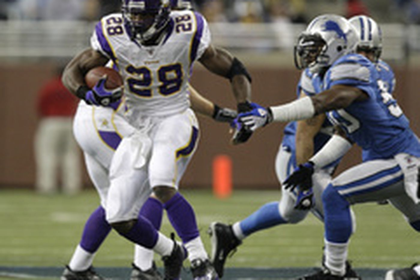 Eagles know they must contain Vikings RB Peterson