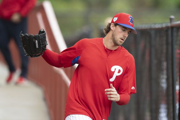 Aaron Nola agrees to four-year contract extension with Phillies